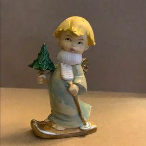 Angel holding tree 🌲 vintage Christmas ornament